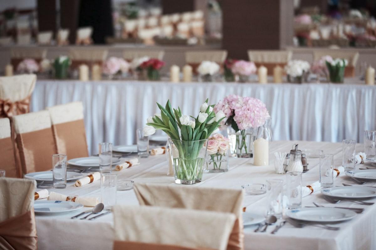 dineren, Tafelkleed, Tafelgerei, zilverwerk, tabel, bestek, restaurant, hotel, mes, bruiloft