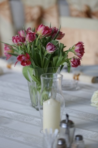 vase, tulips, candles, elegance, tablecloth, candlestick, table, arrangement, decoration, flowers