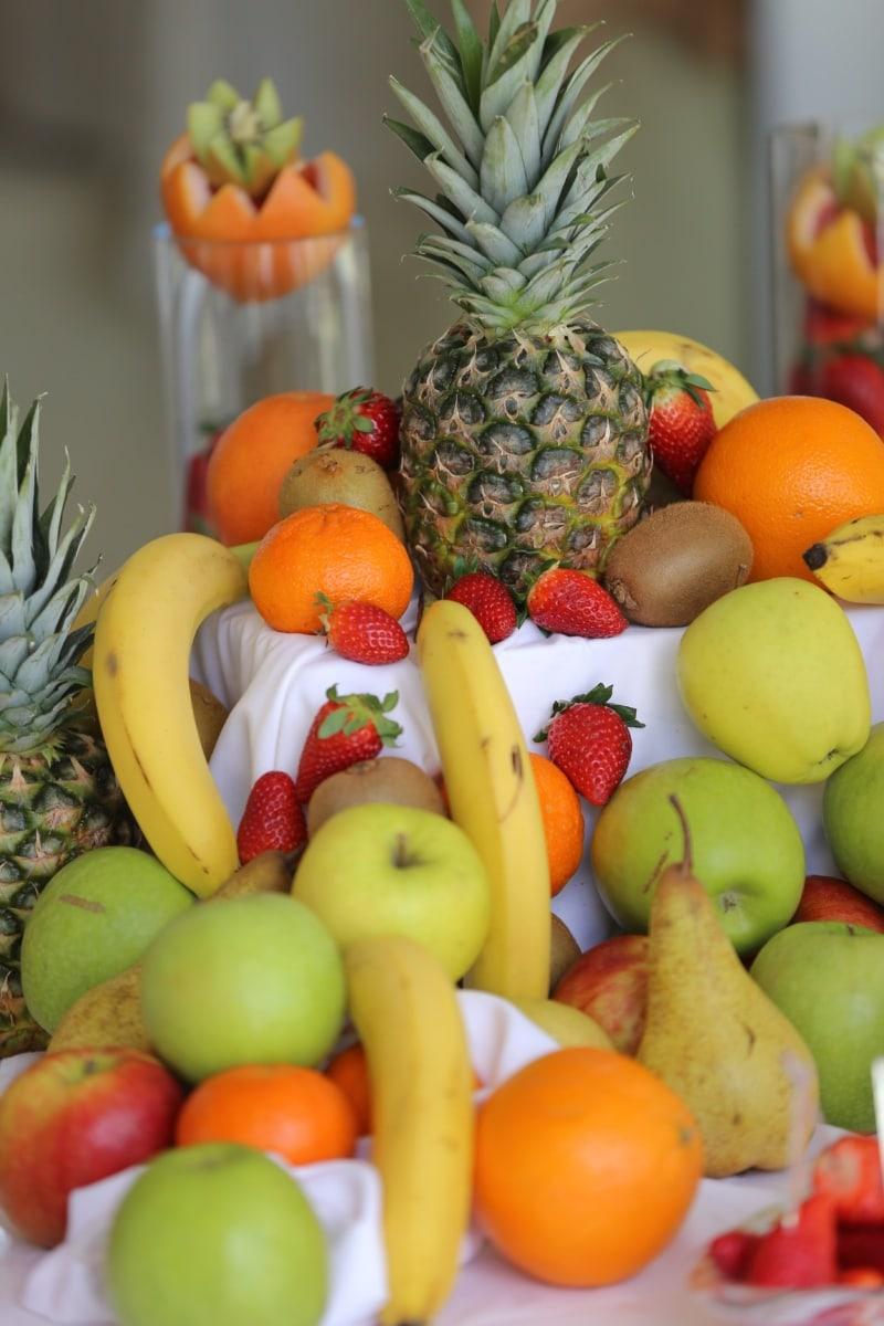 strawberries, citrus, pineapple, banana, oranges, apples, pear, produce, food, apple