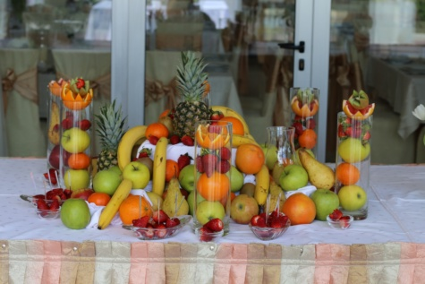 buffet, fruit, food, banquet, fresh, oranges, orange peel, banana, apples, pears