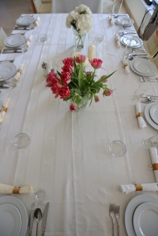 table, lunchroom, dining area, tableware, silverware, cutlery, tablecloth, wedding, dining, luxury