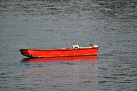 red, boat, motorboat, floating, water, paddle, canoe, lifeboat, transportation, transport