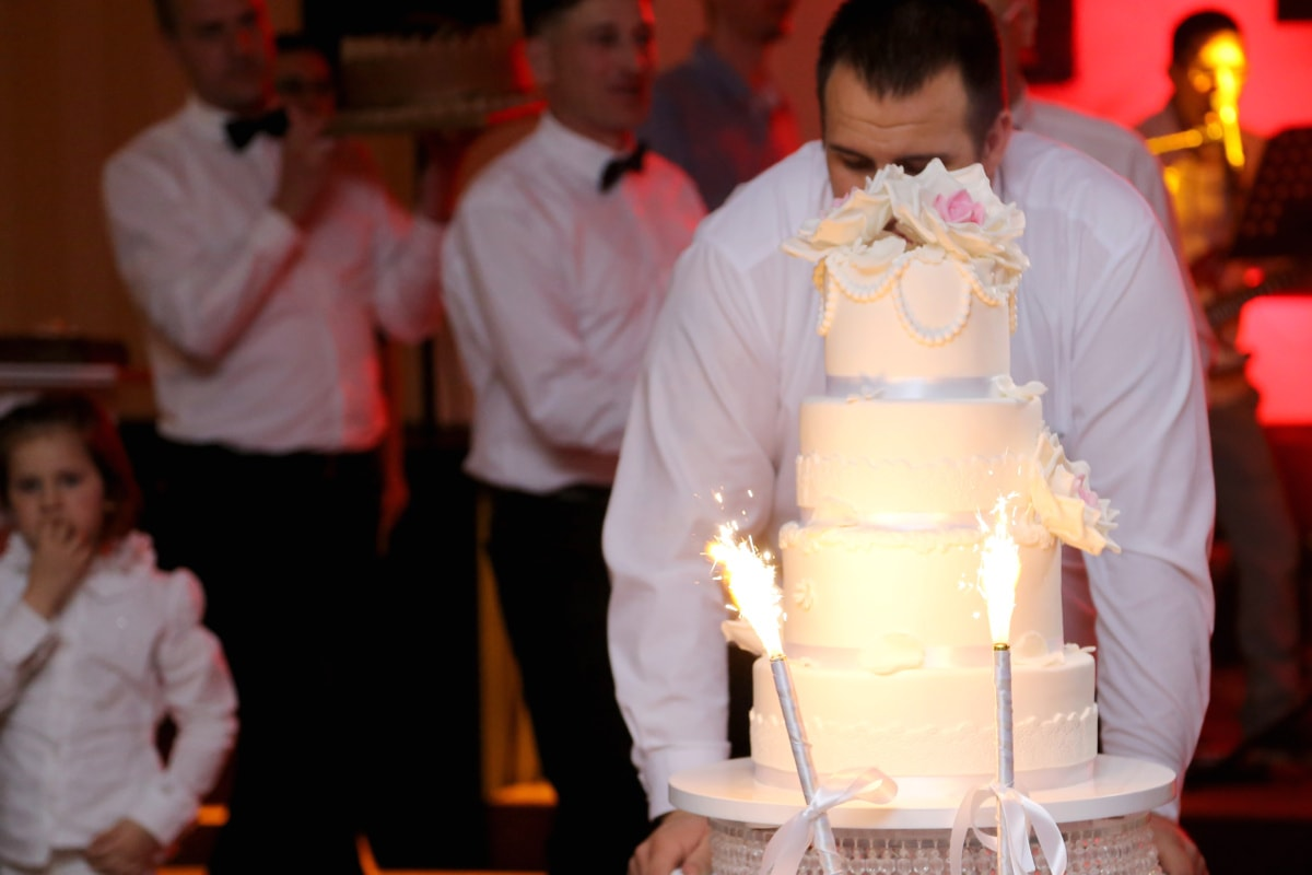 wedding cake, wedding, celebration, bartender, ceremony, spark, restaurant, groom, domestic, woman