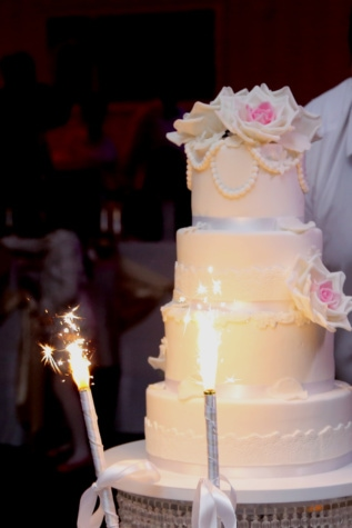 wedding cake, cake, spark, celebration, bartender, banquet, wedding, marriage, love, dress