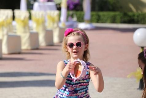 ludique, danse, danseuse, enfants, Jolie fille, amicale, musique, lunettes de soleil, enfant, jeune fille