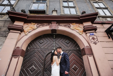 husband, wife, front door, wedding, outfit, windows, building, wedding dress, romance, posing