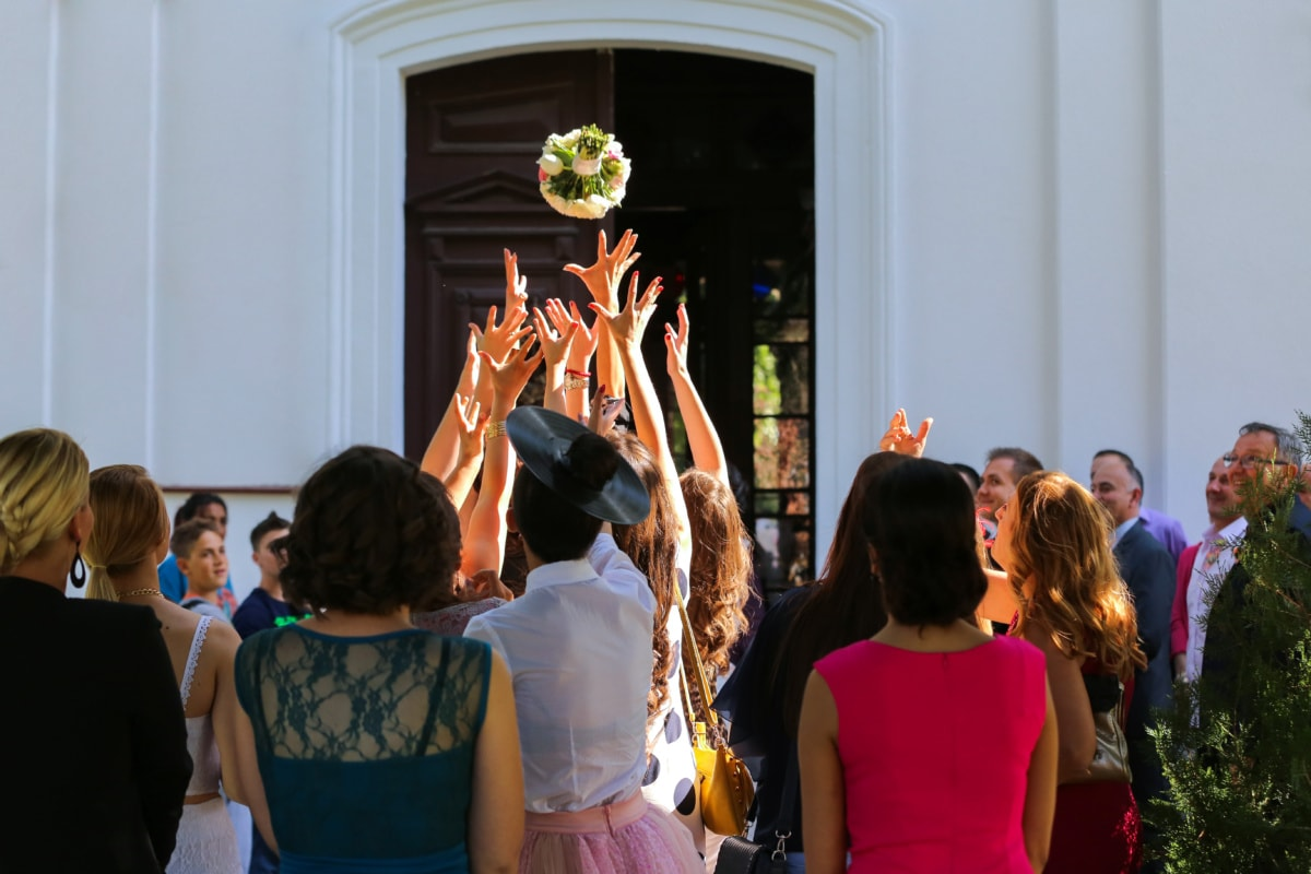 wedding bouquet, wedding, catching, girls, hands, girlfriend, traditional, people, tradition, crowd