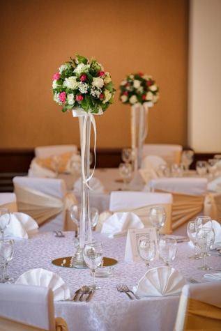 bouquet, vase, tablecloth, dining area, table, wedding, glass, dining, furniture, interior design