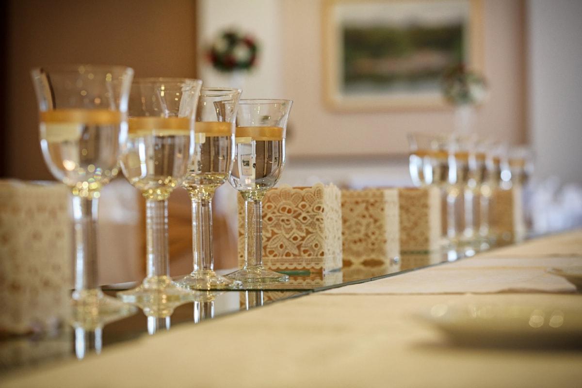 シャンパン, 白ワイン, ランチルーム, ダイニング エリア, テーブル, クリスタル, テーブル クロス, ドリンク, エレガントです, 液体