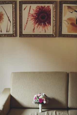 living room, sofa, picture, frame, bouquet, decoration, home, room, empty, design