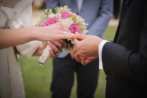 nunta, inel de nunta, rochie de mireasă, buchet de nuntă, Ceremonia, mireasa, mâinile, mirele, atingere, soţia