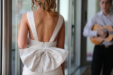 élégance, robe, charme, peau, épaule, bras, femme, attrayant, à l'intérieur, gens