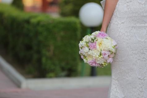 wedding dress, wedding bouquet, wedding, fashion, dress, elegance, bride, pink, flower, plant