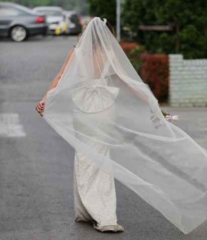 bride, veil, happiness, wedding, wedding dress, parking lot, enjoyment, dress, wedding bouquet, woman