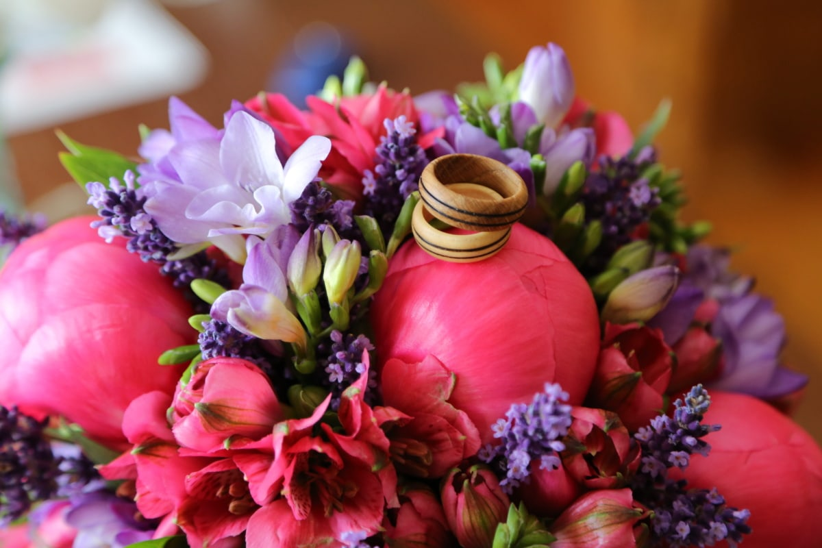 wooden, wedding ring, tulips, grape hyacinth, bouquet, flower bud, arrangement, pink, flowers, decoration