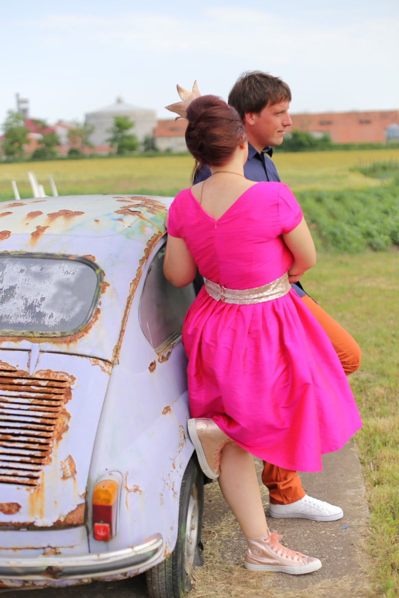 boyfriend, girlfriend, old style, oldtimer, car, girl, woman, people, summer, outdoors
