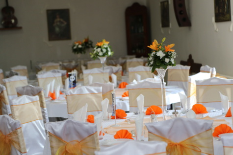 chairs, elegance, dining area, tablecloth, tables, table, lunchroom, banquet, vase, furniture