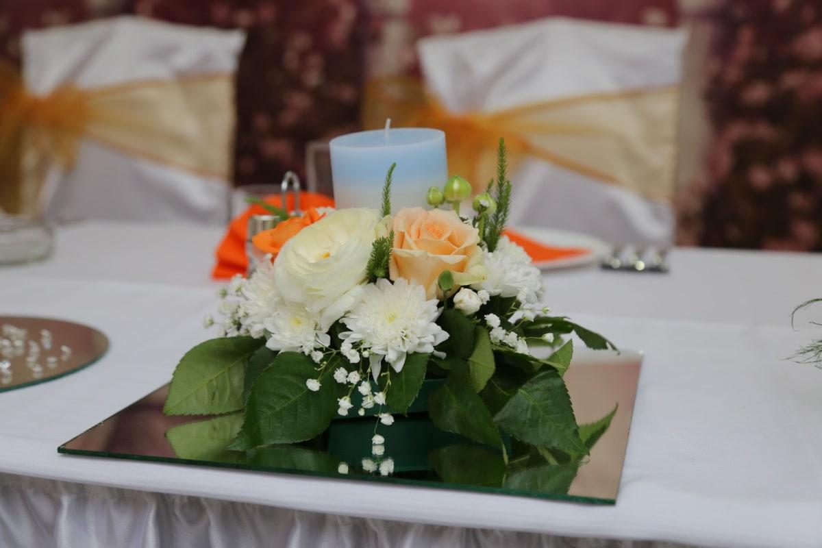 bouquet, arrangement, table, élégant, bougie, salle à manger, chaises, décoration, mariage, dîner