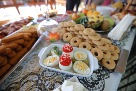 buffet, egg yolk, banquet, egg white, egg, cookie, cookies, biscuit, salad, plate