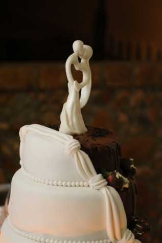 wedding, wedding cake, kiss, bride, groom, sculpture, figurine, cream, chocolate, sugar