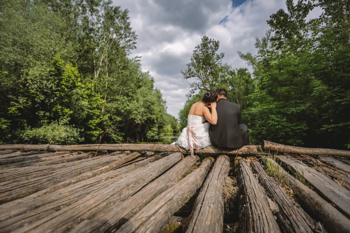 shoulder, hug, relaxation, rest, girlfriend, wilderness, boyfriend, togetherness, nature, wood