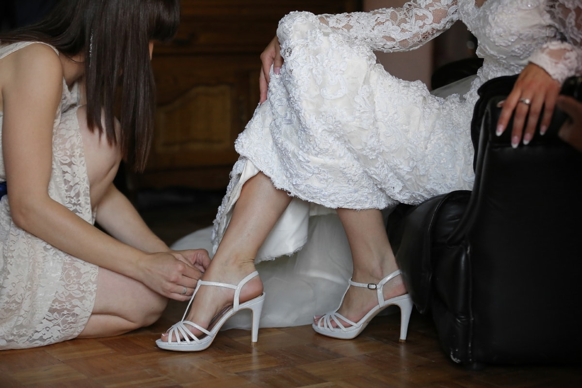 wedding dress, white, sandal, glamour, barefoot, elegance, pretty, attractive, clothing, fashion