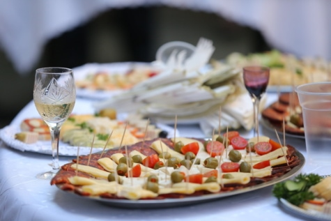 champagne, white wine, olive, food, cheese, appetizer, tomatoes, sausage, salami, dish