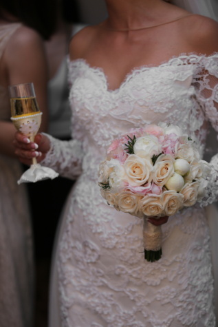 bride, champagne, wedding bouquet, white wine, wedding dress, celebration, ceremony, drink, wedding, arrangement