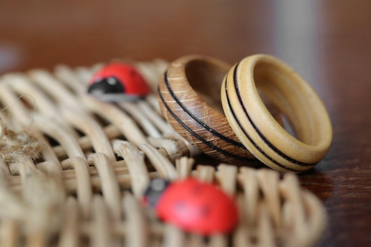 anneaux, en bois, bijoux, fait main, traditionnel, bois, corde, brouiller, sec, nature morte