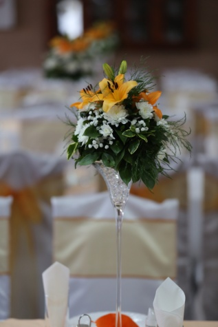 crystal, vase, bouquet, table, dining area, flower, arrangement, decoration, yellow, dining