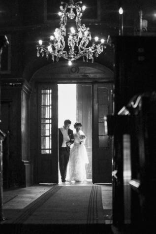 brudgommen, bruden, kirke, inngangen, ekteskap, religion, inngangsdør, arkitektur, bryllup, folk
