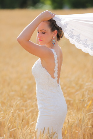 wheatfield, bride, veil, wedding dress, hairstyle, photo model, earrings, young woman, dress, fashion