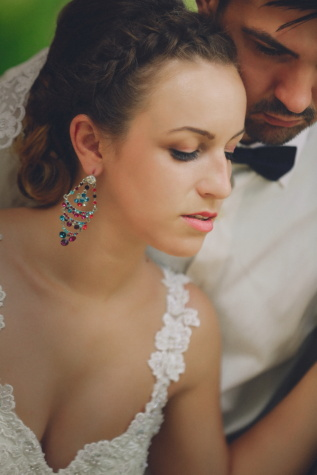 wedding dress, groom, bride, embrace, affection, earrings, beard, jewelry, portrait, face