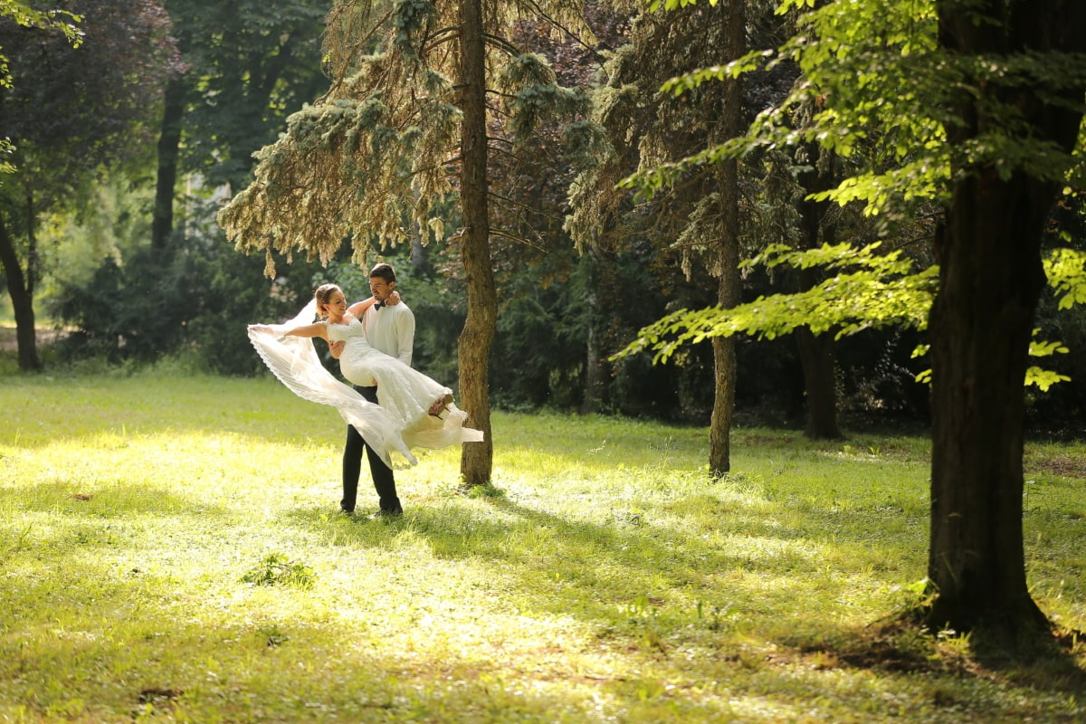 la mariée, bonheur, câlin, voile, robe de mariée, herbe, à l'extérieur, sport, parc, homme