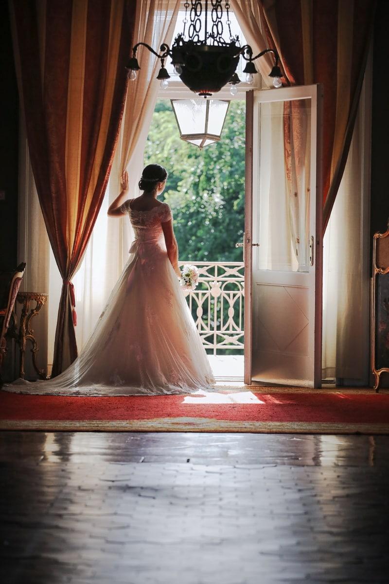 Dekor, Balkon, Braut, Hochzeitsstrauß, Hochzeitskleid, Kronleuchter, Bräutigam, Menschen, Hochzeit, Kleid