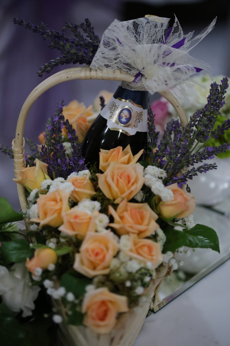 red wine, lavender, bottle, romantic, bouquet, wicker basket, arrangement, decoration, flowers, wedding