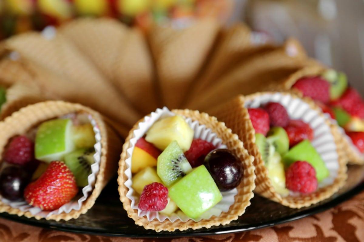 crème glacée, fruits, dessert, délicieux, confiserie, pomme, Kiwi, framboises, plaque, repas