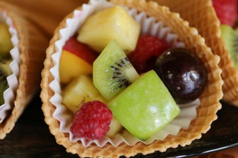 Salat-bar, Obst, Ice cream, Äpfel, Kirsche, Kiwi, Himbeeren, Dessert, Beere, sehr lecker