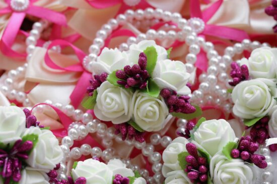 white, necklace, pearl, white flower, decorative, flowers, rose, bouquet, flower, pink