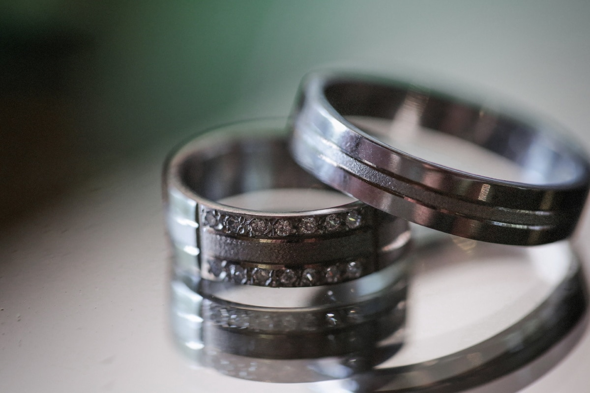rings, diamond, platinum, jewel, jewelry, wedding, still life, chrome, reflection, technology