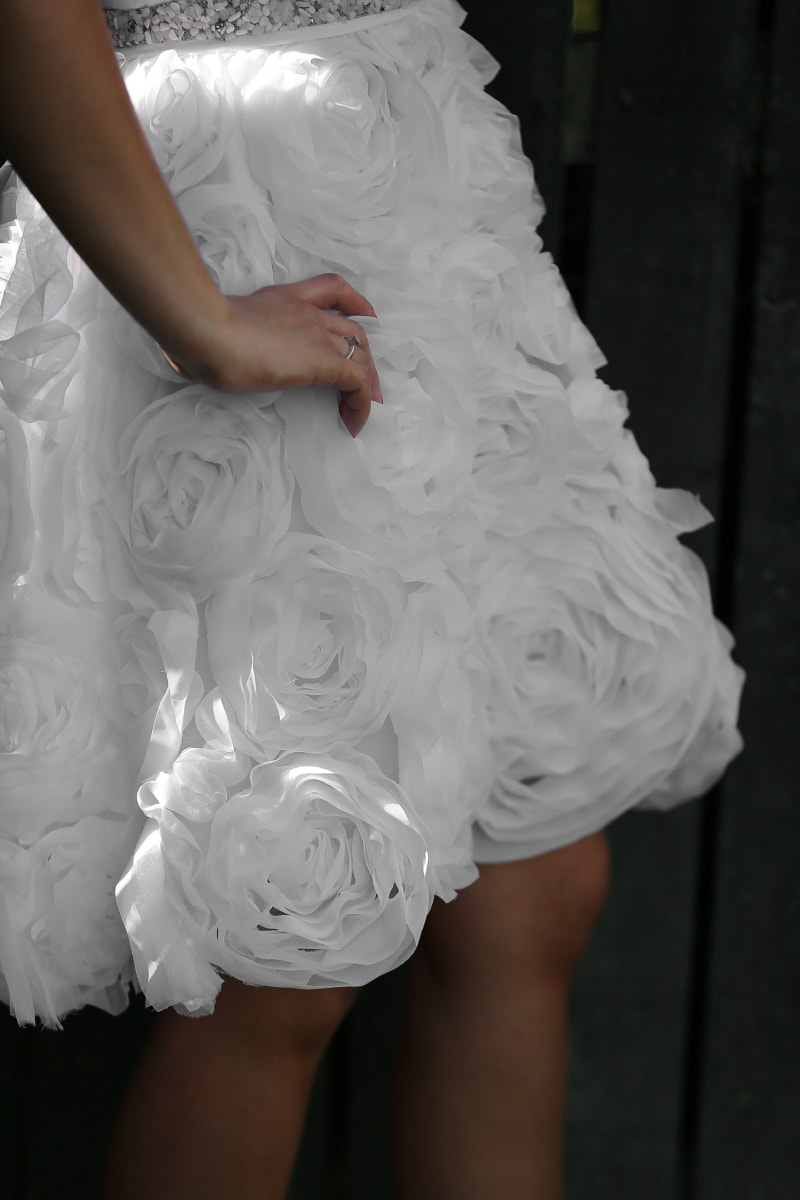 wedding dress, skirt, position, photo model, hand, wedding ring, bride, wedding, marriage, dress