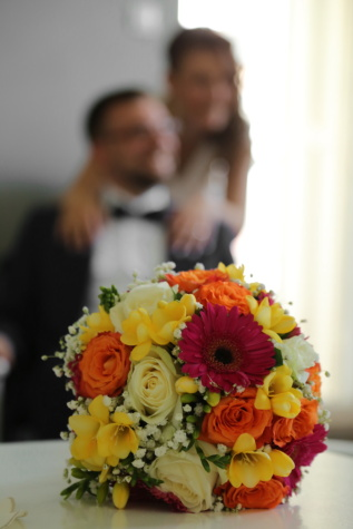 wedding bouquet, blurry, bride, groom, flower, arrangement, flowers, decoration, bouquet, spring