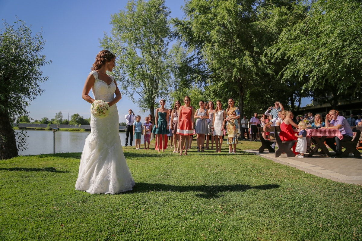 wedding bouquet, wedding dress, wedding, girlfriend, girls, people, married, marriage, groom, love