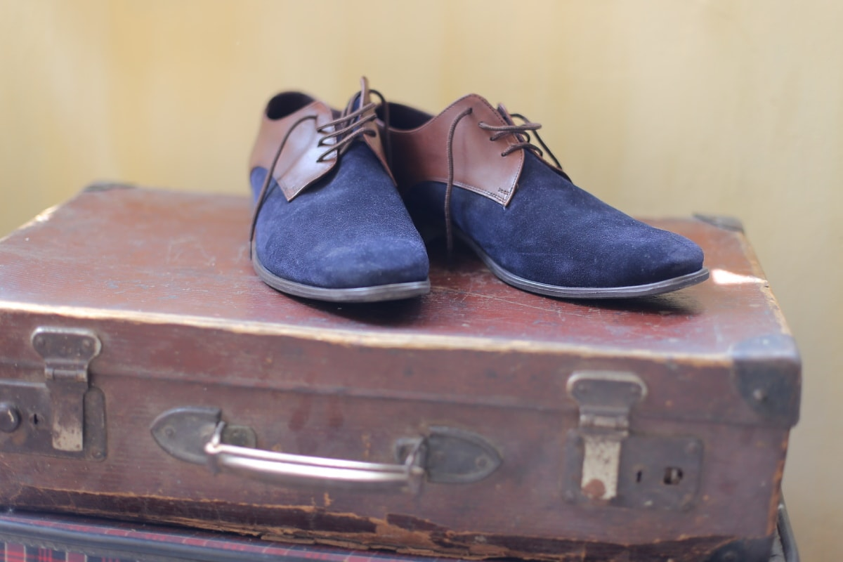 luggage, shoes, shoelace, blue, elegant, travel, vintage, footwear, pair, shoe