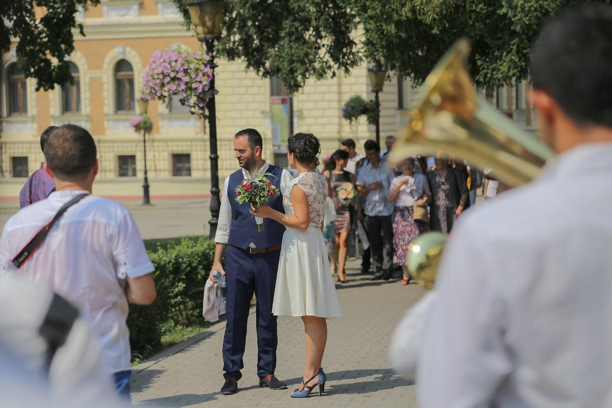 mariage, trompettiste, rue, la mariée, robe de mariée, gens, homme, personne, Smile, Student