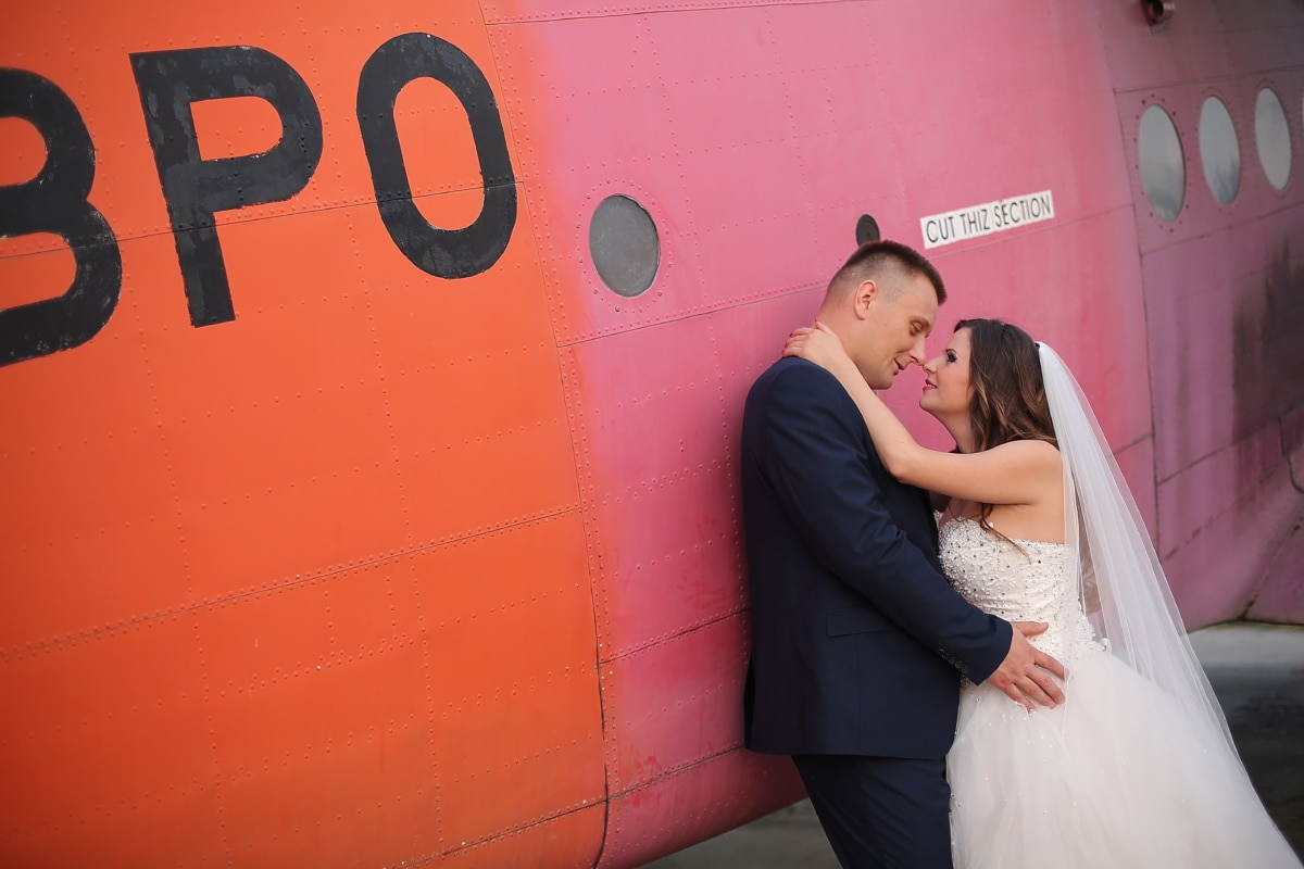 groom, pilot, bride, wedding dress, aircraft, wedding, portrait, people, love, girl