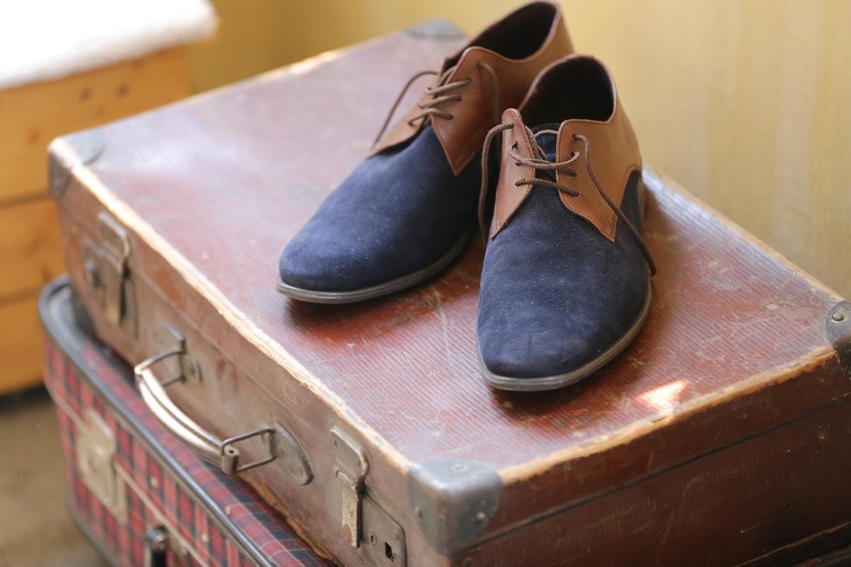 leather, shoes, luggage, baggage, nostalgia, vintage, old, footwear, fashion, shoe