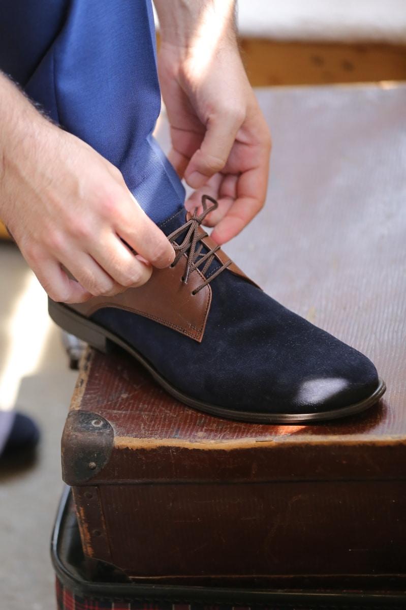 deri, Ayakkabı, mavi, ayakkabı bağı, eller, bagaj, Bagaj, çizmeler, Ayakkabı, giyim