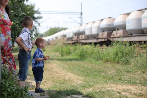 materstvo, rodina, chlapci, materstvo, matka, cestujúcich, Cestovanie, vlak, železničná stanica, oboznámení