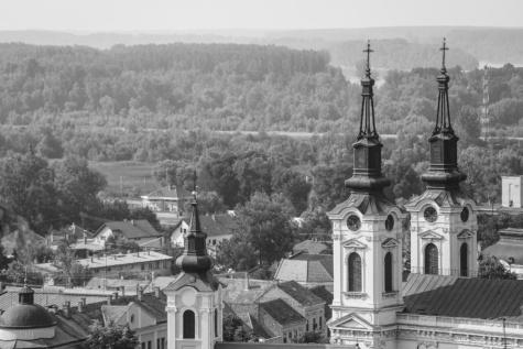 crkveni toranj, centar grada, Sremski Karlovci, Srbija, zgrada, rezidencija, samostan, crkva, kuća, krov, arhitektura